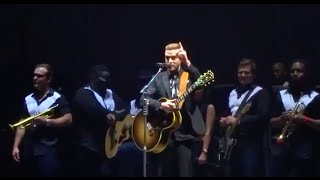 Justin Timberlake sings Happy Birthday (Live at the Oakland Oracle Arena)
