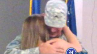 TISSUE REQUIRED VIDEO - Soldier's Surprise Homecoming!