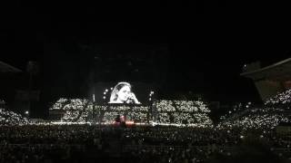 """Adele Dedicates """"Make You Feel My Love"""" to London Attack victims"""