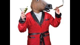 el caballo fuma porros.