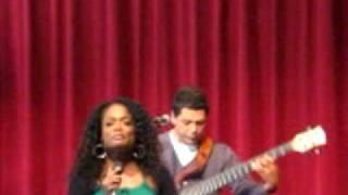 Isaline Callister - 1e nummer muziekcafe Raisa gefilmd