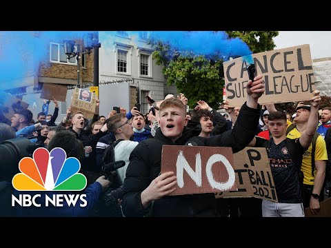 Watch: Chelsea Soccer Fans Celebrate Club's Decision To Quit European Super League | NBC News NOW