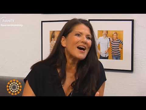 Inge Schöps bei AstroTV über ihre Yoga-Bücher