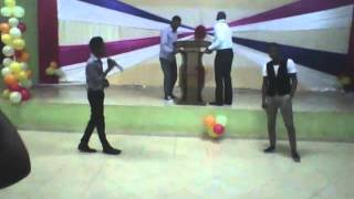 Olumide performs durosoke... recorded and uploaded by Bugzy