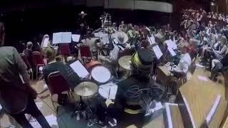Orquestra tocando música de faroeste