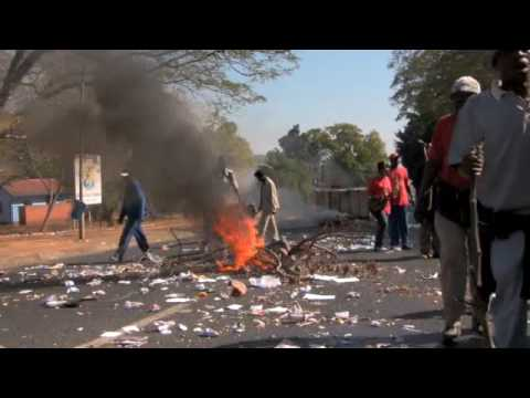 South African Municipal Workers Trash Town in Dirty Protest