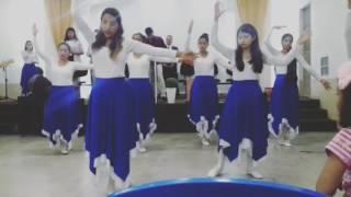 Coreografia linda da música totalmente Teu Jesus - Fernandinho! ❤