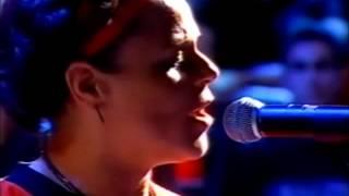 """4/7 - Cássia Eller """"Vá Morar Com o Diabo"""" no Programa Música Brasileira em 2001"""