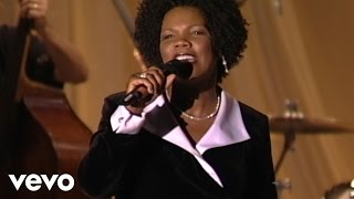 Lynda Randle - Walk With Me, Lord [Live]