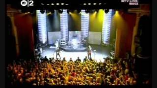 Muse . - Plug In Baby ( Live Shepherd's Bush Empire, Londres 28-06-2006 )