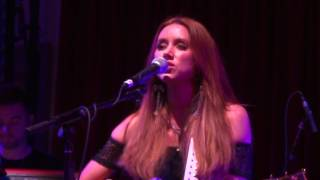 Una Healy - Battlelines [Live at London Bush Hall]
