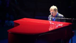 Elton John - Tiny Dancer (Live!)