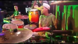 Ronald maguiña - Drums y timbal de Barbaro fines y su mayimbe - Lima Perú