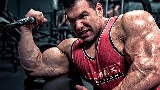 Steve Kuclo's Big Bicep Workout Superset Finisher