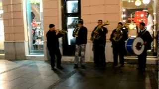 Street musicians in Belgrade playing Bubamara improvisations