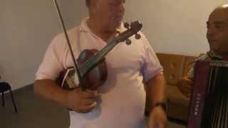 "Gogonea and Georgica The Bulgarian playing ""Vagabondule"" (You Vagabond)"
