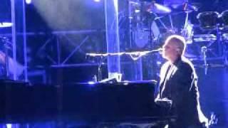 Billy Joel - She's Always a Woman LIVE IN HONG KONG