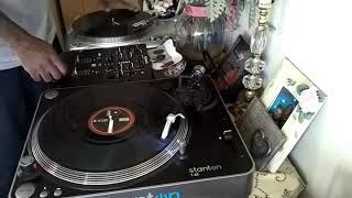 Playing Around On Turntables... scratch session.. Epsilon Super oem turntable...good torque fo sho