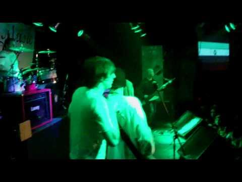 Si Pudiera de Oliver Music Letra y Video