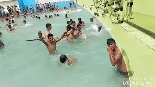 Aaj Blue Hai Pani Pani Dil Bhi Sani Sani full HD video swimming pool download