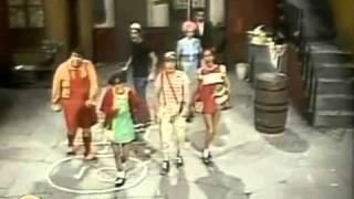 El Chavo y Kiko  bailando Papa Americano-We No Speak Americano