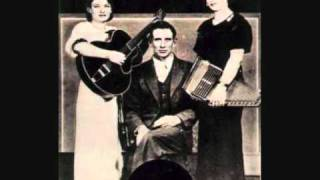 The Carter Family - Wildwood Flower (With A.P and Maybelle harmonies)