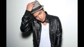 Locked Out Of Heaven by Bruno Mars (Instrumental)