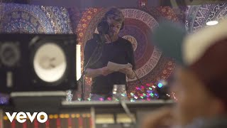 'The Middle': Watch How a Pop Hit Is Made | NYT - Diary of a Song width=