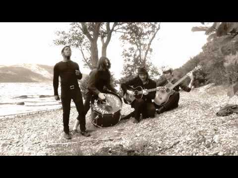 vintage-trouble-loch-ness-shore-vintagetrouble