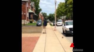 Usa, polizia uccide ragazzo nero con  12 colpi di pistola...