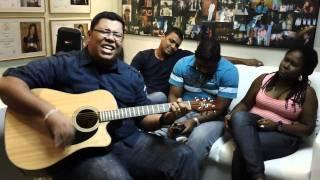 Anderson Freire e seu vocal cantam medley