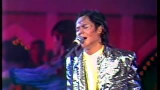 Michael Jackson - Don't Stop 'Til You Get Enough (Cover by Sudirman) | Ambang Tahun Baru (1990)