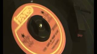 Two People - Stop leave my heart alone - Revue Records - Brilliant 60s Northern Soul