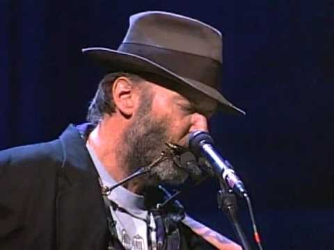 neil-young-heart-of-gold-live-at-farm-aid-1998-farmaid