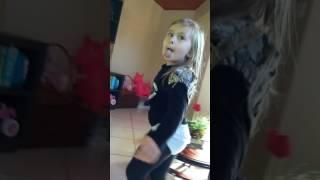 Ana Clara dançando Bang da Anitta!!! 😘