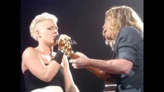 Pink - Who Knew - Live 2014