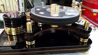 Small Audio Manufacture Renegade Turntable