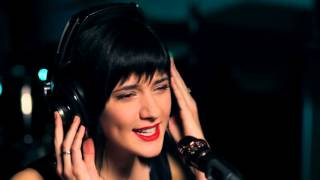 Don't Dream It's Over - Crowded House (Sara Niemietz & W.G. Snuffy Walden Live Cover)