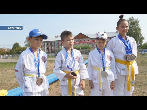 Вернулись с больших соревнований с медалями