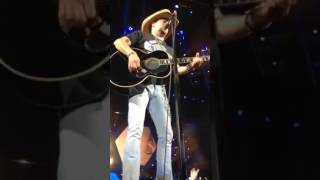 "Jason Aldean ""Any Ol' Barstool"" Dunkin Donuts Center RI 2017"