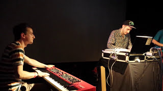 Dj Czarny & Tas (feat. Marek Pędziwiatr) - live at the Puzzle 2013