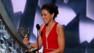 Tatiana Maslany wins Lead Actress, Emmy Awards 2016 (HD)