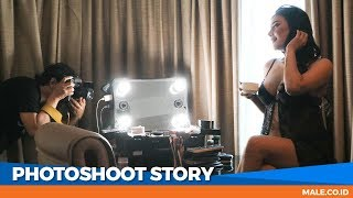 Canda Seksi di Behind the Scenes Photoshoot Model EVELYN - Male Indonesia width=
