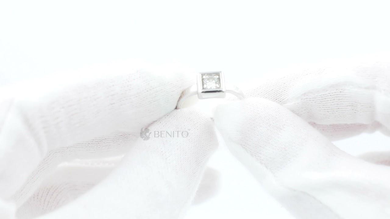 Tina Ring White Zircon Stone