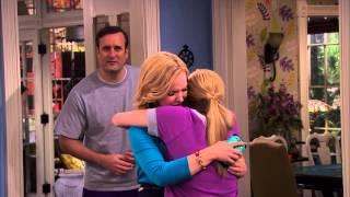 Liv and Maddie | Liefdesverdriet | Disney Channel BE