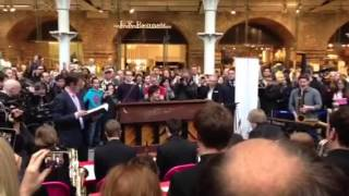 Jamie Cullum live at St. Pancras station