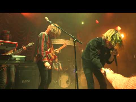 cage-the-elephant-tell-me-im-pretty-album-trailer-cagetheelephant