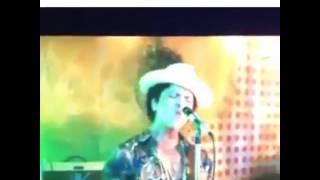 Voz real de Bruno Mars