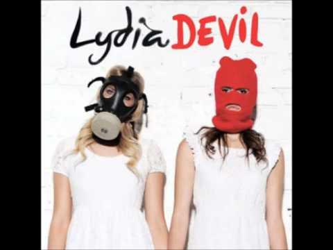 lydia-knee-deep-amorningofsleep