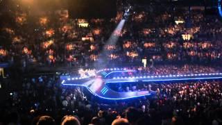 Ivete Sangalo Falando com o Publico em Ingles Madison Square Garden - HD